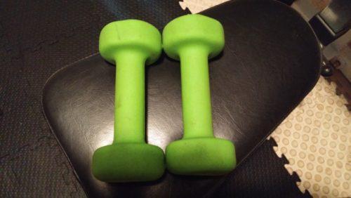 ぴょいんの緑のダンベル
