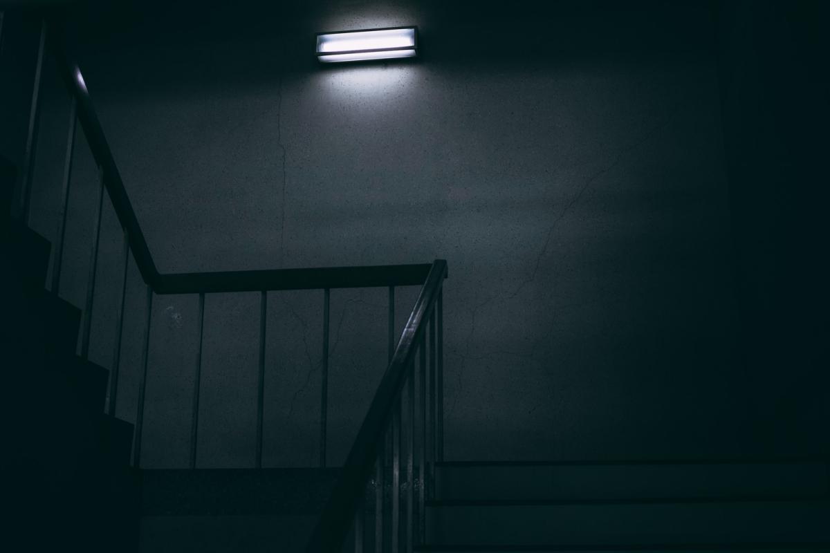 【閲覧注意】一度読んだら忘れない、おすすめの怖い話5選