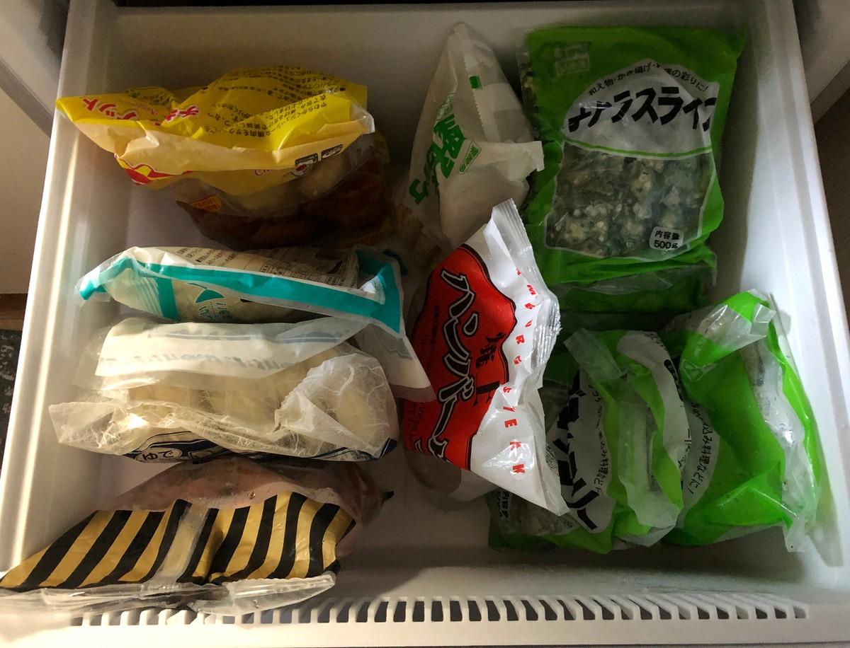 中古冷蔵庫に冷凍食品を入れてみた