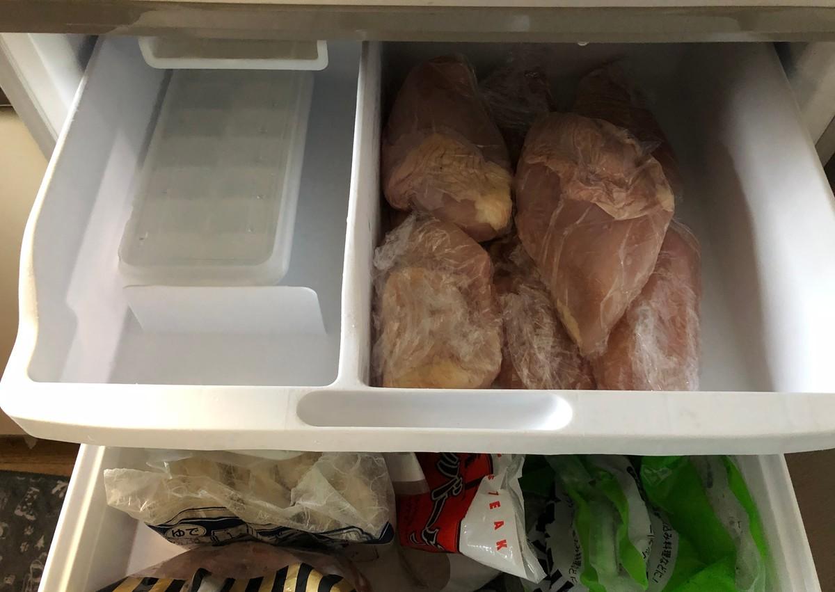 中古冷蔵庫の冷凍室2段