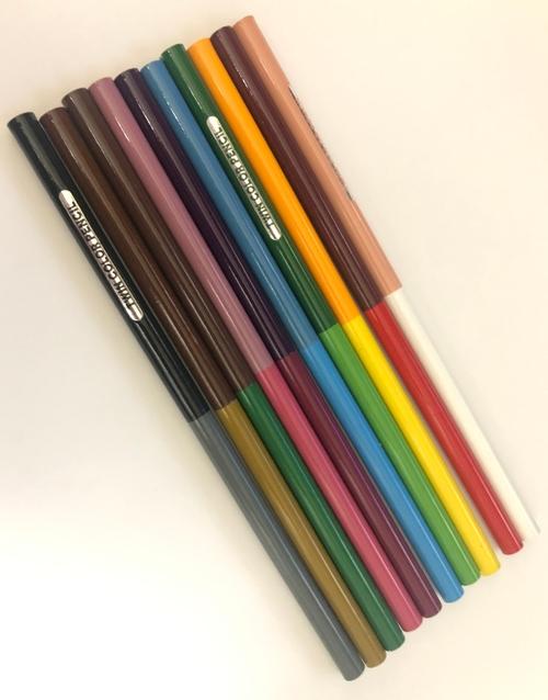 100均の色鉛筆 中